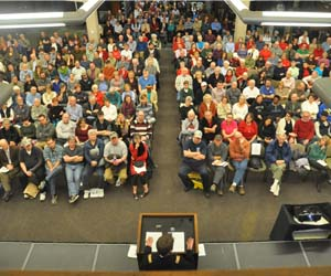 Tony Dingman and crowd overhead shot