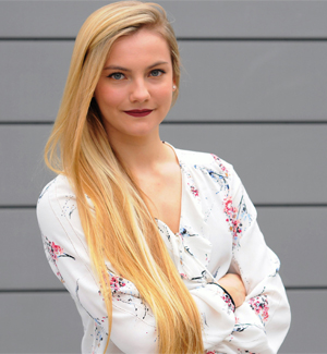 Anna Knochel 300x325