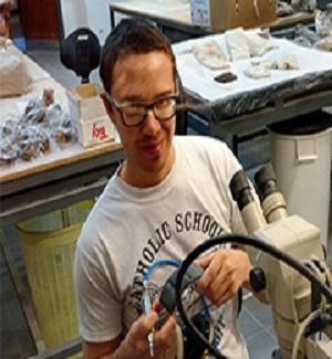 MikeDonovan_New2_Fossil Preperation Laboratory_ Credit Peter Wilf 300x325
